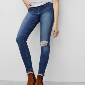 FRAME Le High Skinny Distressed in Endell Wash 28